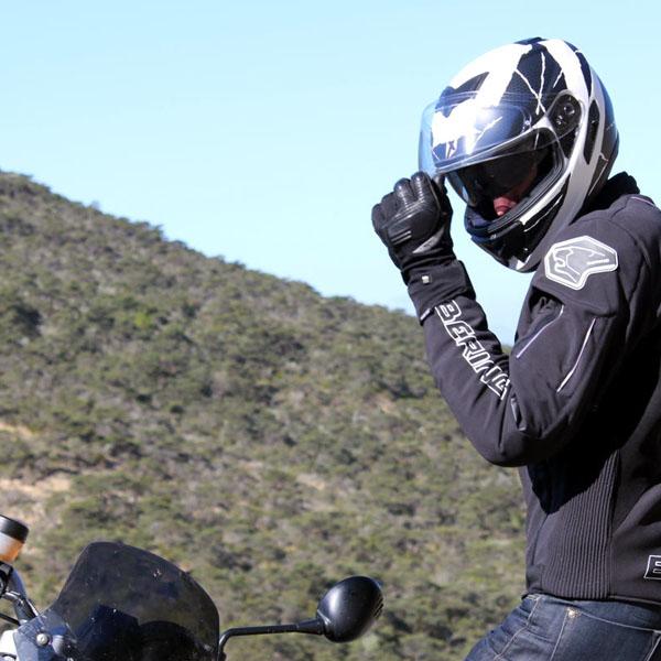 Motocycliste de securite